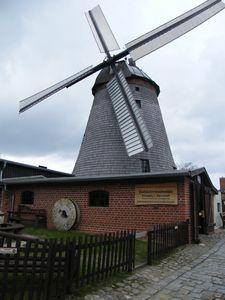 2010-04-05 Holländer-Windmühle Straupitz 003
